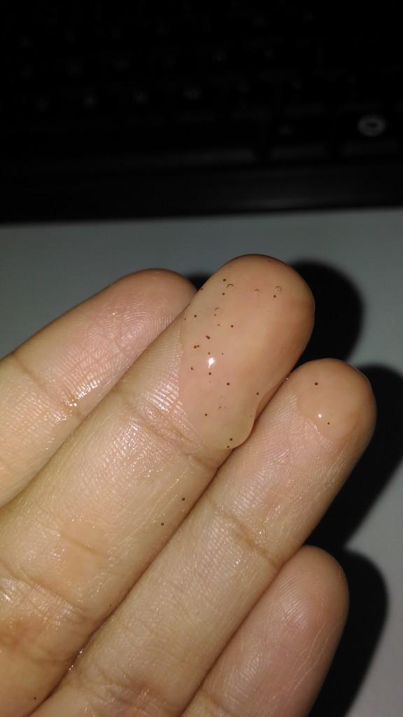Micro beads yang berfungsi sebagai deep cleanser.